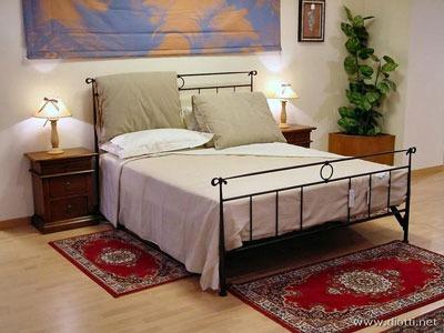 tappeti camera da letto: sotto, accanto o ai piedi del letto