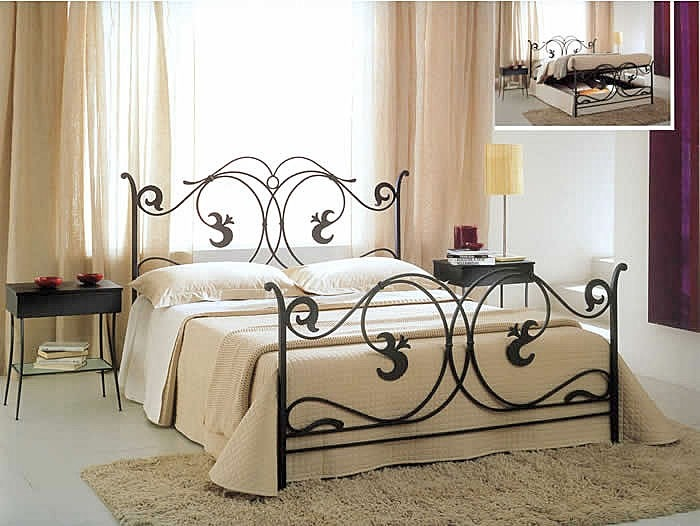 Letti ferro battuto classici country country chic for Camera da letto cottage francese